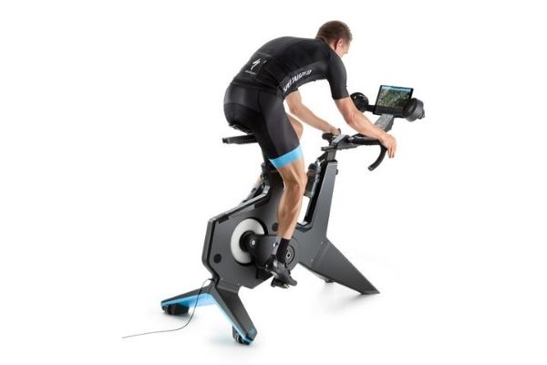 Tacx NEO Bike Overview